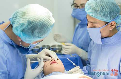 Sửa mũi có đau không có nguy hiểm không 2